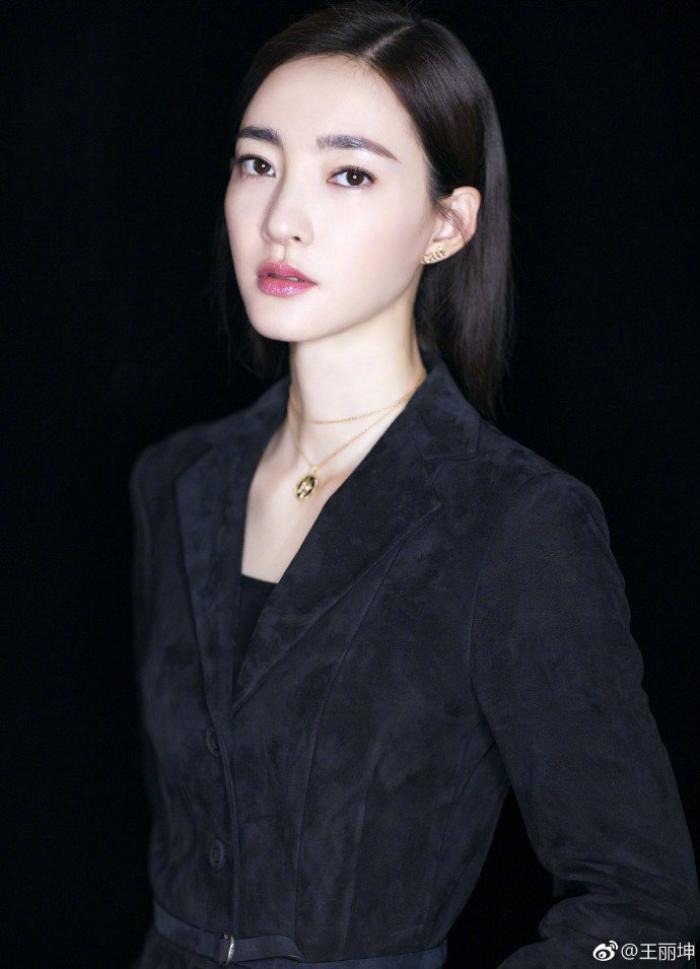 10 gương mặt đẹp nhất Cbiz (P1): Tiên nữ Lưu Diệc Phi, búp bê AngelaBaby kém thanh tao bằng Cao Viên Viên Ảnh 7
