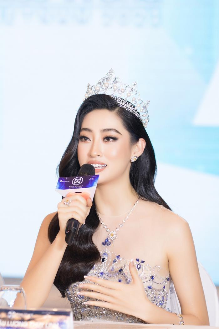 Miss World Vietnam mời Tiểu Vy - Lương Thùy Linh làm giám khảo chính: Tuổi 21 có đủ sức cầm cân nảy mực? Ảnh 4