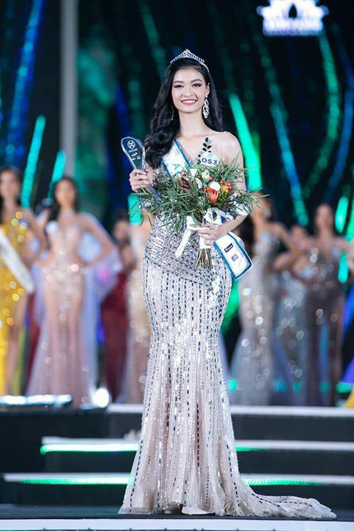 Miss World Vietnam mời Tiểu Vy - Lương Thùy Linh làm giám khảo chính: Tuổi 21 có đủ sức cầm cân nảy mực? Ảnh 9