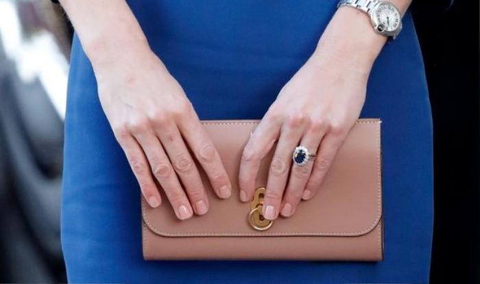 Vì sao Hoàng tử William luôn đeo chiếc đồng hồ Omega 96 triệu đồng? Ảnh 2