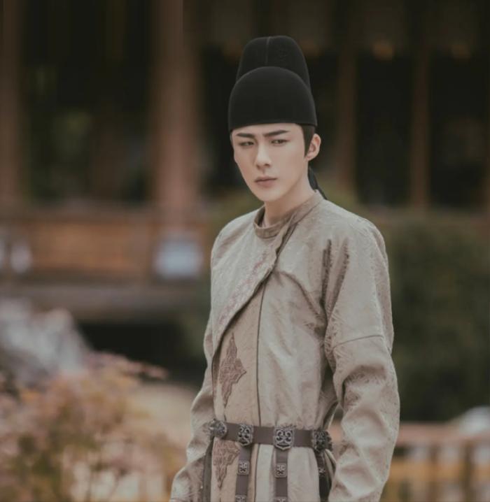 Địch Lệ Nhiệt Ba, Triệu Lộ Tư 'thoát nạn' bị chê nhờ có sự tham gia của chàng ca sĩ OST