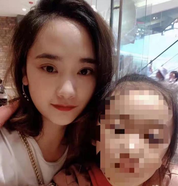 Mẹ đơn thân bị người tình đâm 57 nhát dao, máu của mẹ văng lên mặt con gái 7 tuổi Ảnh 2