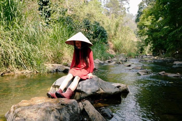 Ái nữ nhà Đoan Trang khoe giọng ca trong trẻo khi hát lại ca khúc đầu tiên của mẹ