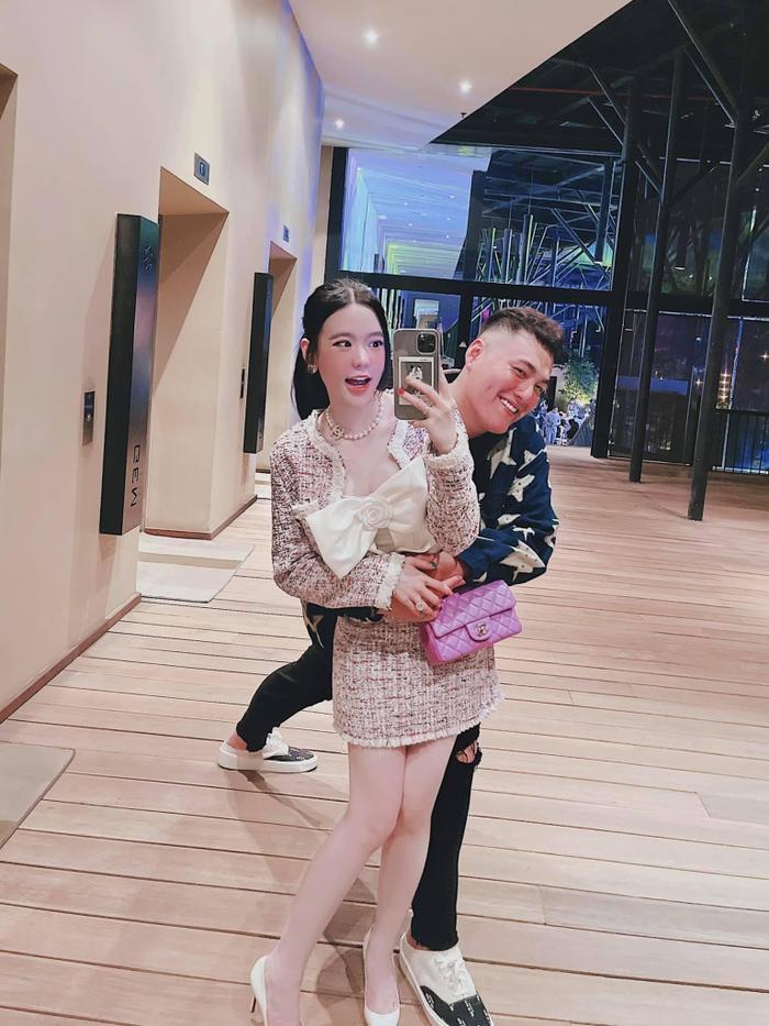 Con dâu nhà 'ông trùm điện tử Sài Gòn' bật mí về cuộc sống làm dâu hào môn khiến dân mạng ngỡ ngàng