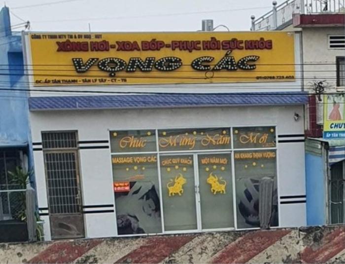 Bắt quả tang 3 đôi nam nữ mua bán dâm trong cơ sở massage ở Tiền Giang Ảnh 1