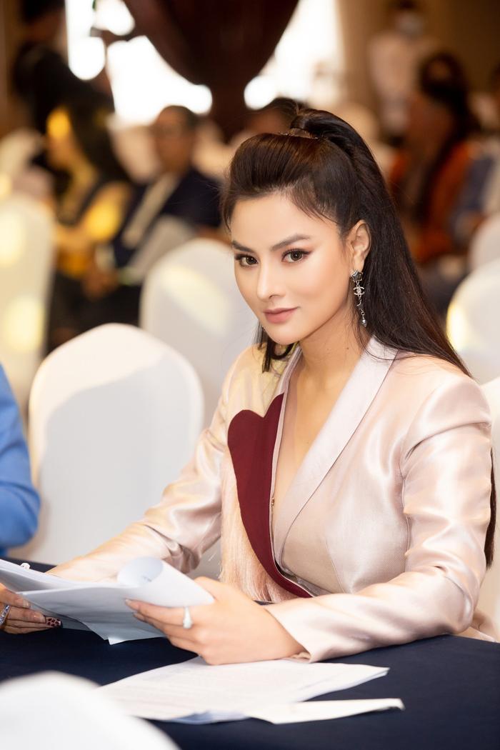 Vũ Thu Phương: 'Người mẫu là nghề đáng trân trọng và phải khẳng định được giá trị bản thân' Ảnh 5