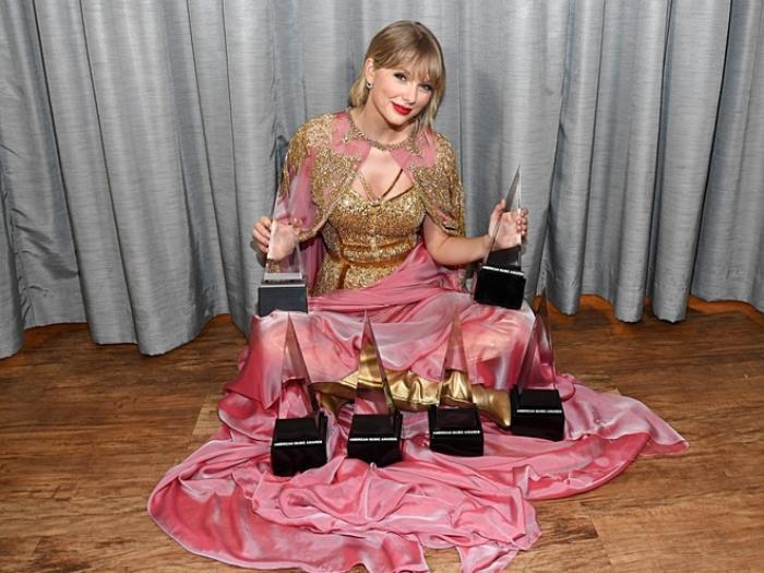 Taylor Swift là nữ nghệ sĩ đầu tiên trong lịch sử vượt mốc 20 tỷ lượt stream on-demand tại Hoa Kỳ Ảnh 1