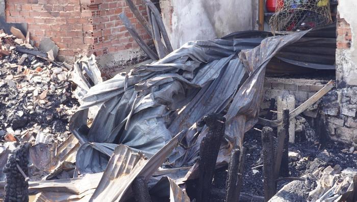 Cháy lớn thiêu rụi 9 căn nhà tạm ở Vũng Tàu Ảnh 2