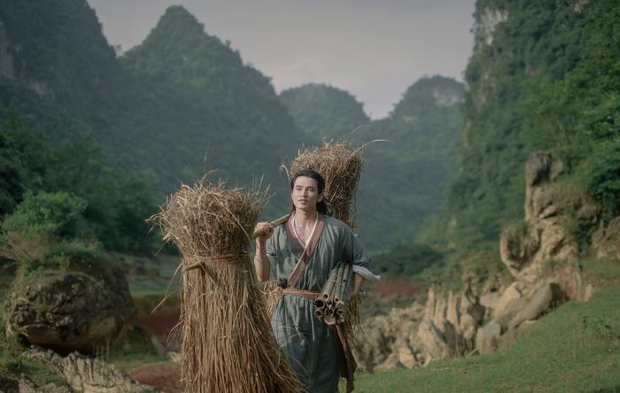 'Kiều': Nàng Kiều của Nguyễn Du bước lên màn ảnh hay chỉ là tác phẩm mượn danh phá banh nguyên tác? Ảnh 5