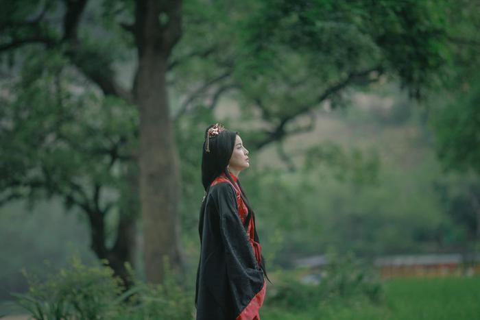 'Kiều': Nàng Kiều của Nguyễn Du bước lên màn ảnh hay chỉ là tác phẩm mượn danh phá banh nguyên tác? Ảnh 14