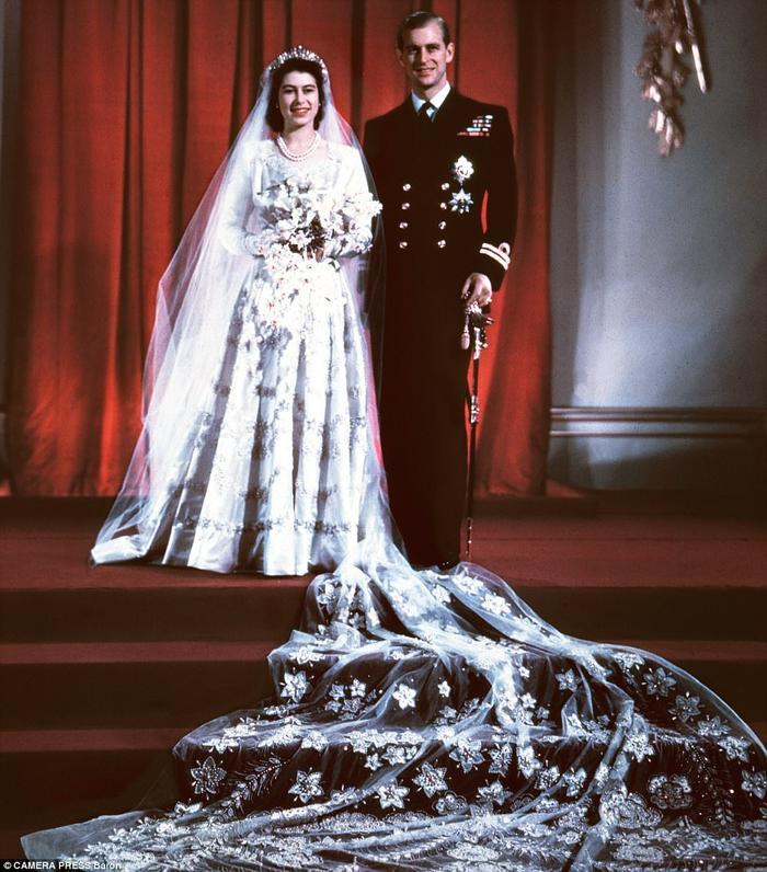 Món quà đặc biệt Hoàng thân Philip từng dành tặng cho Nữ hoàng Elizabeth II khiến nhiều người xúc động Ảnh 2