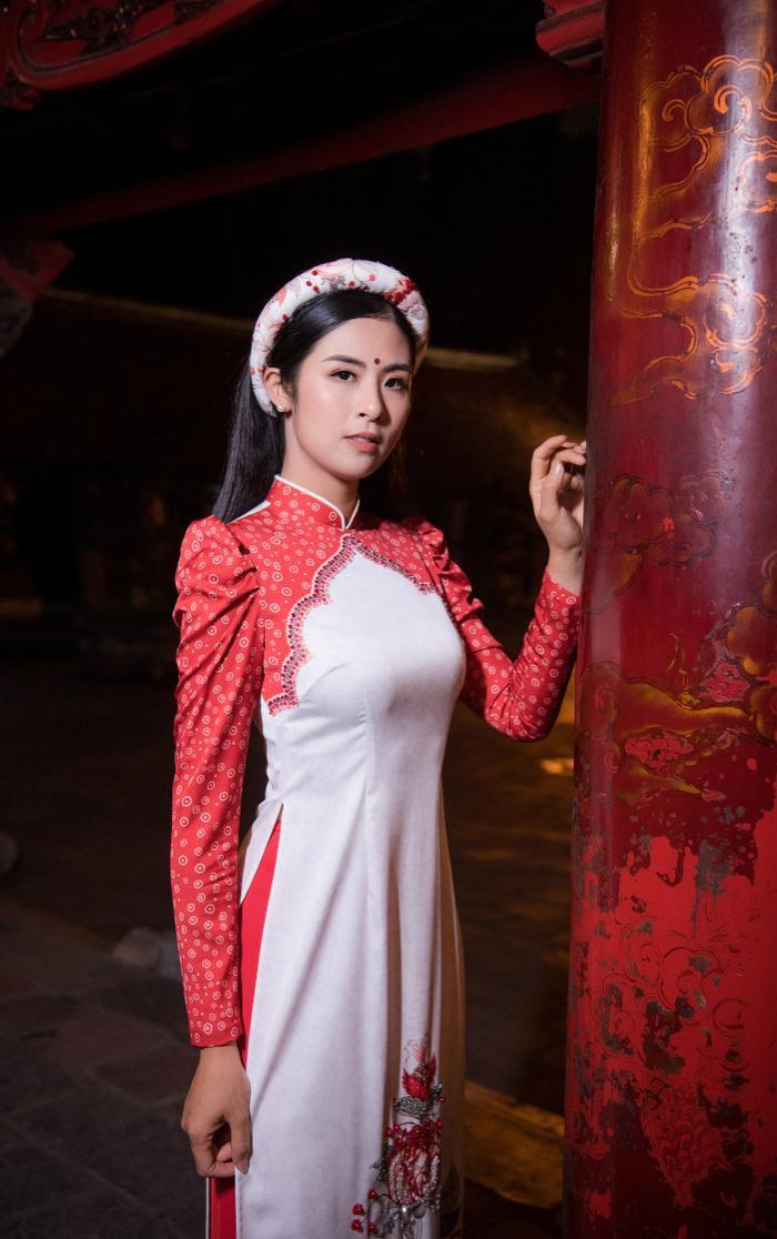 Hoa hậu Ngọc Hân diện áo dài quảng bá nét đẹp văn hoá Ảnh 1