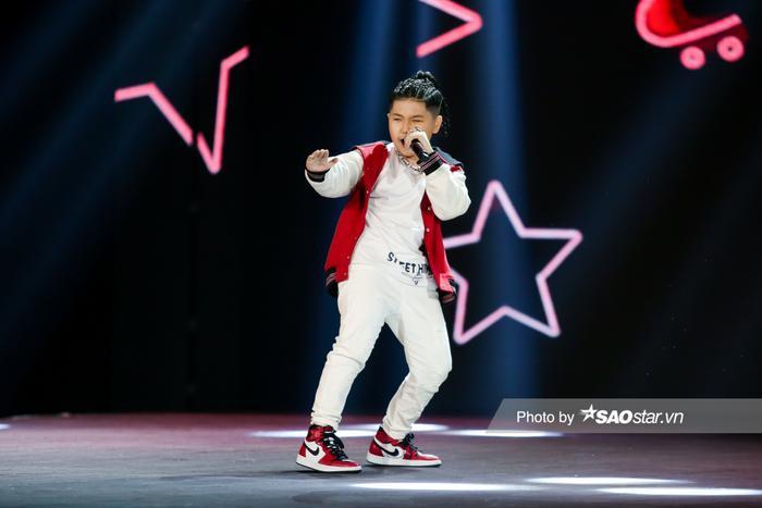 Cặp hot boy Song Tùng - HIEUTHUHAI mang hit mới 'Đích tôn' khuấy động sân khấu GHVN New Generation