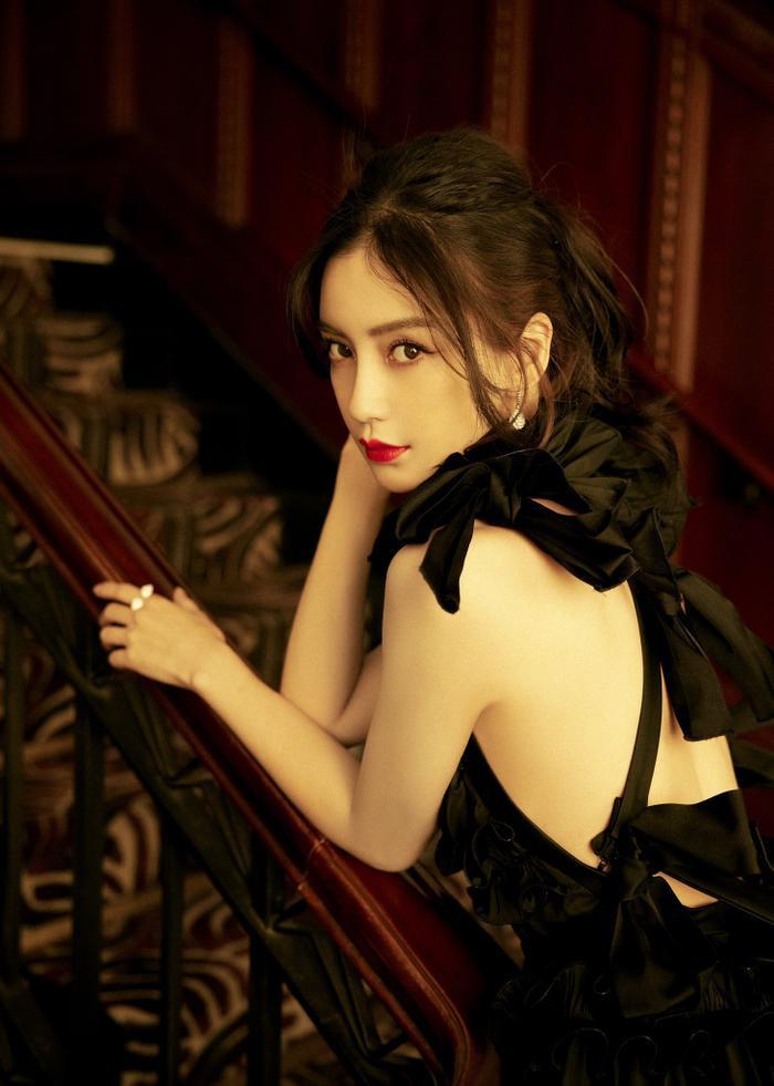 Đêm hội Văn hóa thời trang: Cận cảnh nhan sắc Vương Tuấn Khải - Lý Hiện, Lưu Thi Thi đọ sắc Angela Baby! Ảnh 30