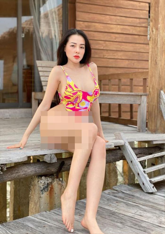 Bị 'ném đá' vì mặc bikini bé tí xíu, Ngân 98 không ngần ngại 'chơi lớn' khiến dân mạng bất ngờ Ảnh 3