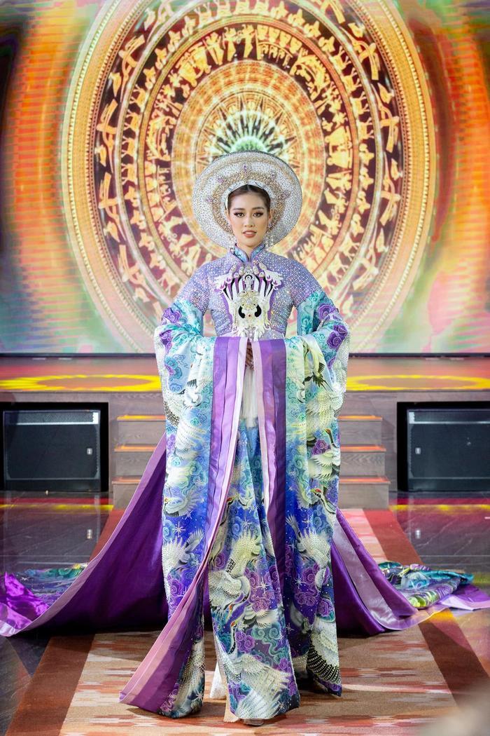 Khánh Vân: 'Tôi đam mê thi sắc đẹp, đầy tự hào khi đại diện Việt Nam tại Miss Universe 2020' Ảnh 13