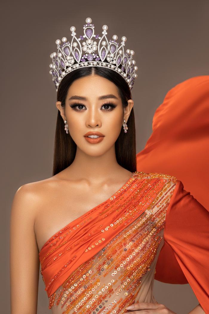 Khánh Vân: 'Tôi đam mê thi sắc đẹp, đầy tự hào khi đại diện Việt Nam tại Miss Universe 2020' Ảnh 12
