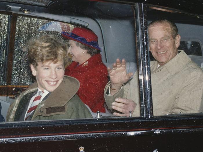 17 khoảnh khắc chứng minh Hoàng thân Philip chỉ là một người ông bình thường Ảnh 3