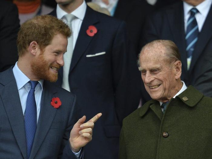 17 khoảnh khắc chứng minh Hoàng thân Philip chỉ là một người ông bình thường Ảnh 11