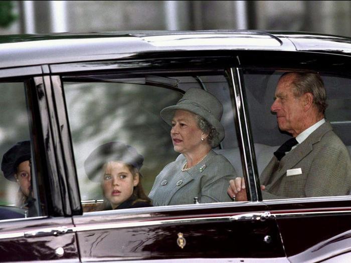 17 khoảnh khắc chứng minh Hoàng thân Philip chỉ là một người ông bình thường Ảnh 13