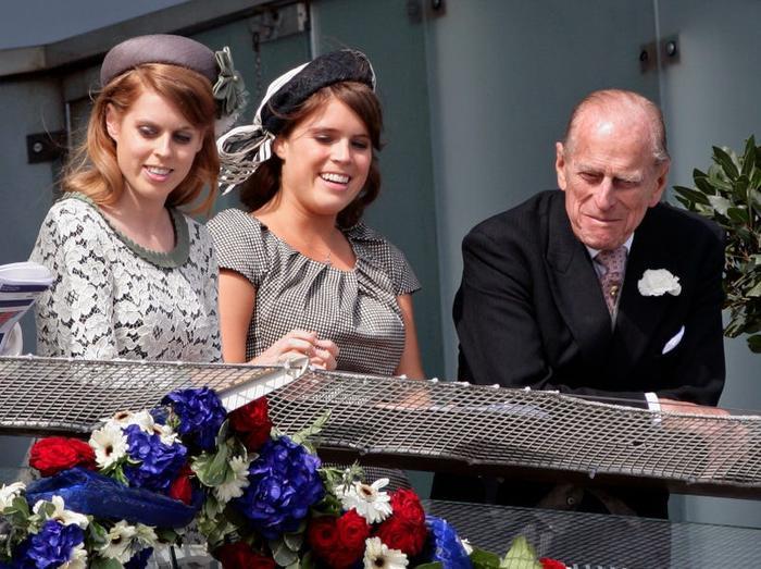 17 khoảnh khắc chứng minh Hoàng thân Philip chỉ là một người ông bình thường Ảnh 14