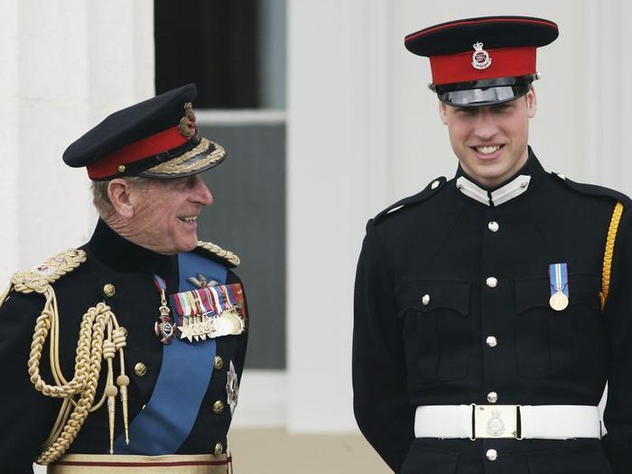 17 khoảnh khắc chứng minh Hoàng thân Philip chỉ là một người ông bình thường Ảnh 9