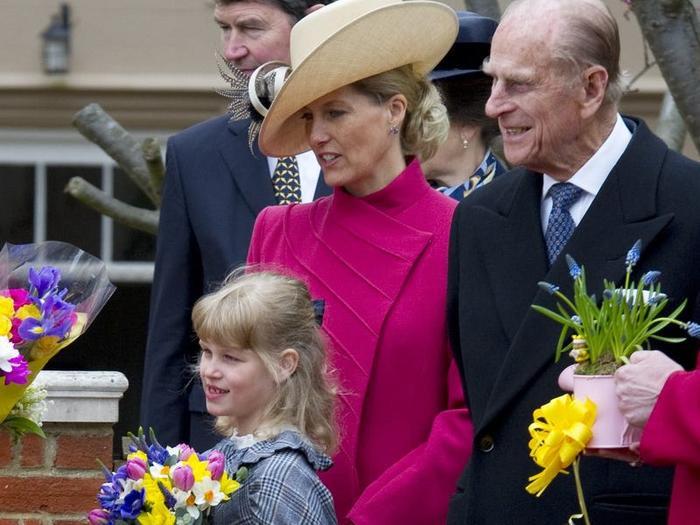17 khoảnh khắc chứng minh Hoàng thân Philip chỉ là một người ông bình thường Ảnh 15