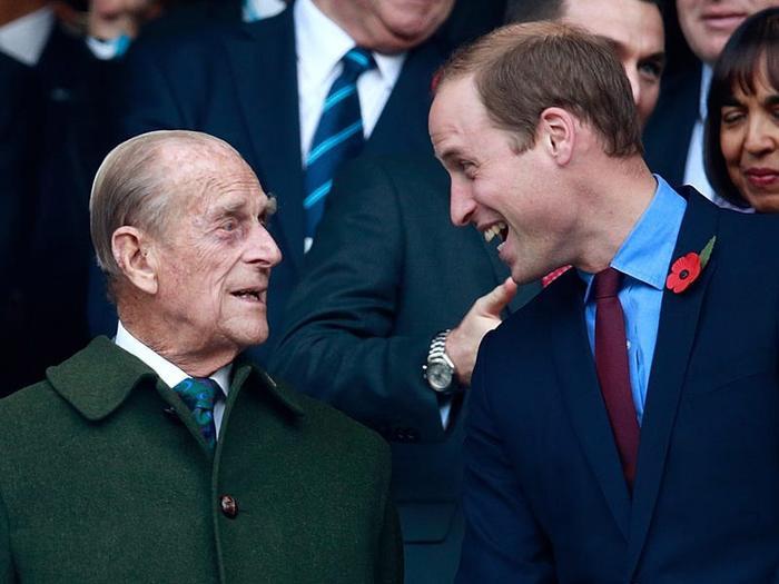 17 khoảnh khắc chứng minh Hoàng thân Philip chỉ là một người ông bình thường Ảnh 10