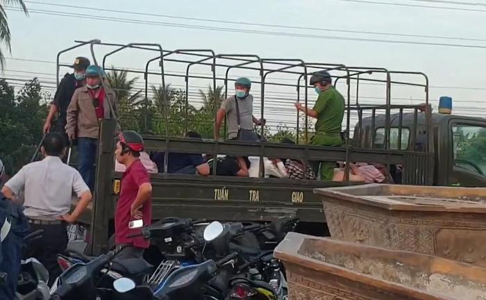 Bắt gần 100 quái xế rủ nhau về Tiền Giang, đua xe trái phép trên QL1 Ảnh 1