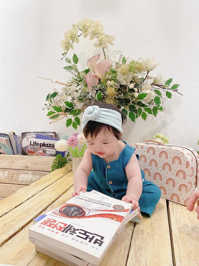 'Tiểu công chúa' nhà Ông Cao Thắng - Đông Nhi - Winnie tự giác học hành, xứng đáng nhận phiếu bé ngoan Ảnh 2