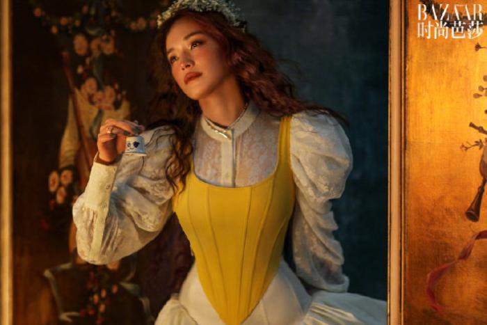 'Quả bom gợi cảm' Thư Kỳ đẹp như công chúa trong cổ tích trên bìa Harper's Bazaar Ảnh 5