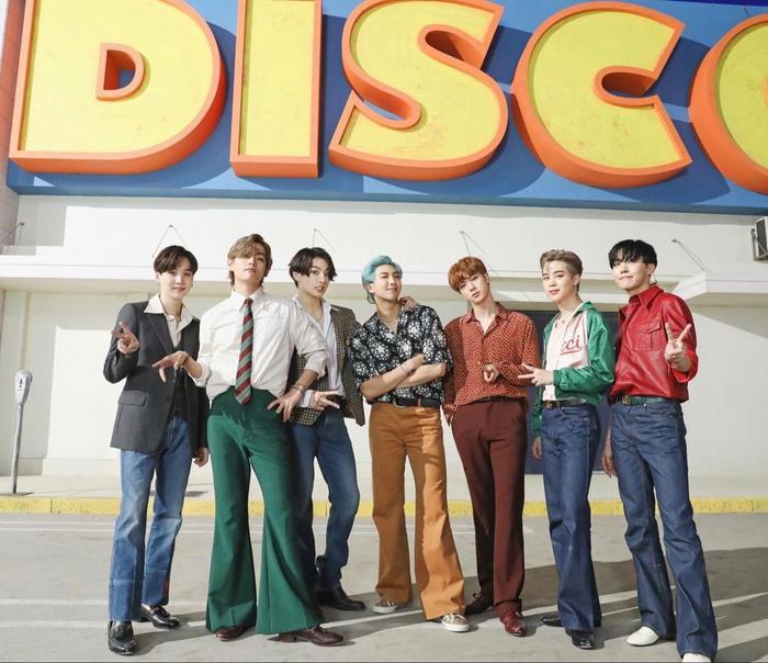 'Dynamite' (BTS) trở thành MV bởi nhóm nhạc Kpop đạt 1 tỷ view nhanh nhất Youtube Ảnh 4
