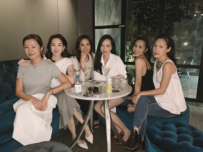Những lần đọ sắc 'một chín một mười' của Tăng Thanh Hà cùng các nàng hậu Việt