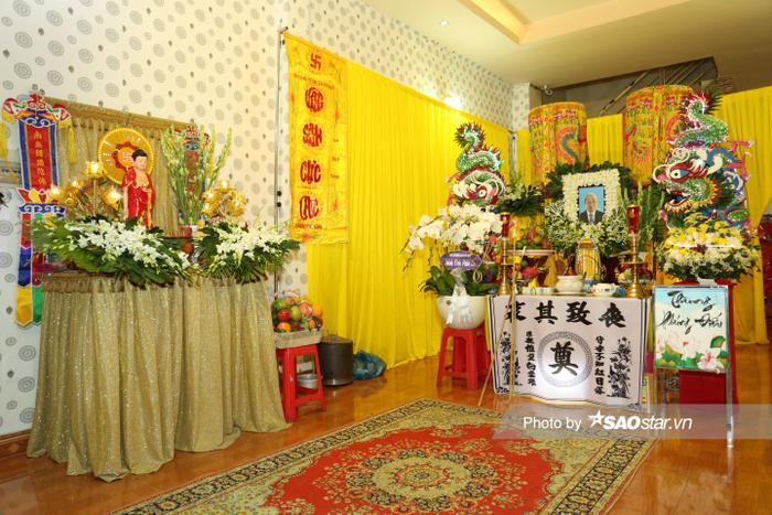 Cát Tường, Tấn Beo cùng nhiều sao Việt đến chia buồn tại đám tang bố ruột Hiếu Hiền Ảnh 2