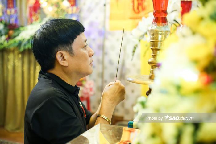Cát Tường, Tấn Beo cùng nhiều sao Việt đến chia buồn tại đám tang bố ruột Hiếu Hiền Ảnh 12