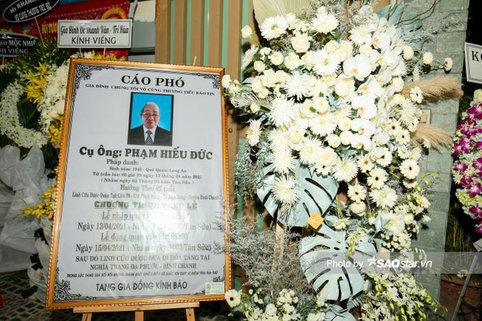 Cát Tường, Tấn Beo cùng nhiều sao Việt đến chia buồn tại đám tang bố ruột Hiếu Hiền Ảnh 3
