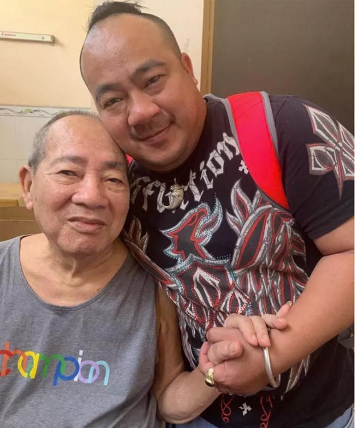 Cố nghệ sĩ Đức Lang từng sẵn lòng hiến đôi mắt cho con trai Hiếu Hiền: Tình cha quá ấm áp! Ảnh 1