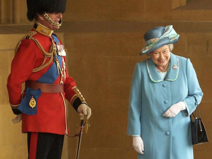 Câu chuyện bất ngờ đằng sau bức ảnh Nữ hoàng Elizabeth cười hạnh phúc bên cạnh Hoàng thân Philip Ảnh 1