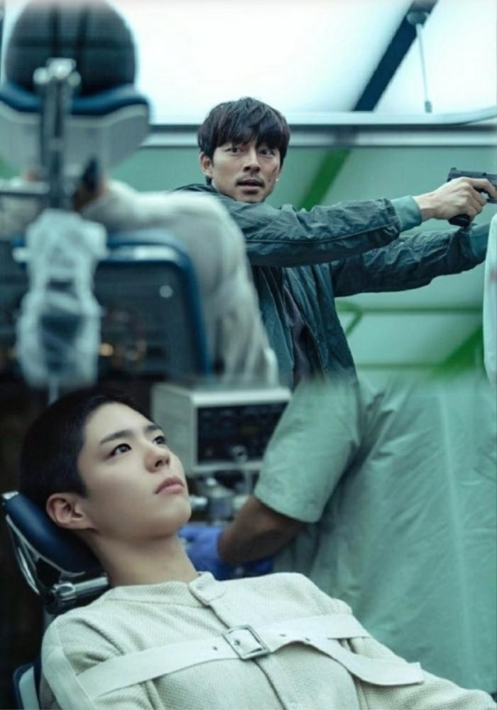 Review 'Seobok': Vừa khóc vừa cười vì nội dung quá 'ngon' và xuất sắc ngoài mong đợi