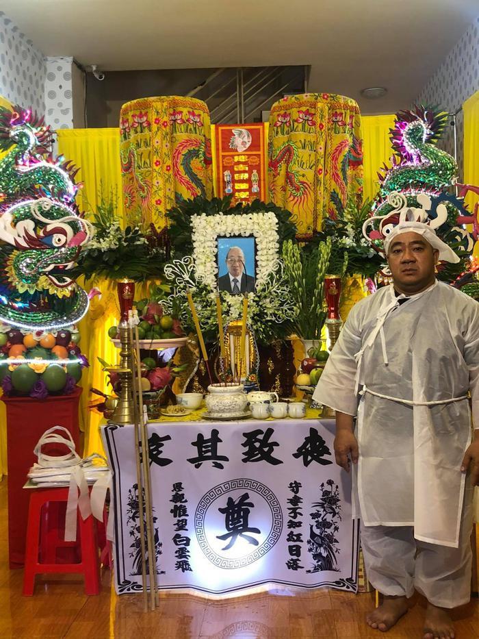 Nhiều sao Việt có mặt tại lễ tang nghệ sĩ Đức Lang, Hiếu Hiền thất thần trong thời khắc cuối cùng bên bố Ảnh 1