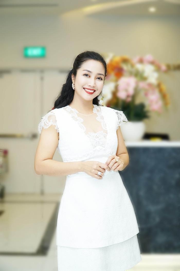 Ốc Thanh Vân - Từ nữ MC đa tài đến vai diễn tái xuất sau 6 năm vắng bóng màn ảnh rộng Ảnh 8