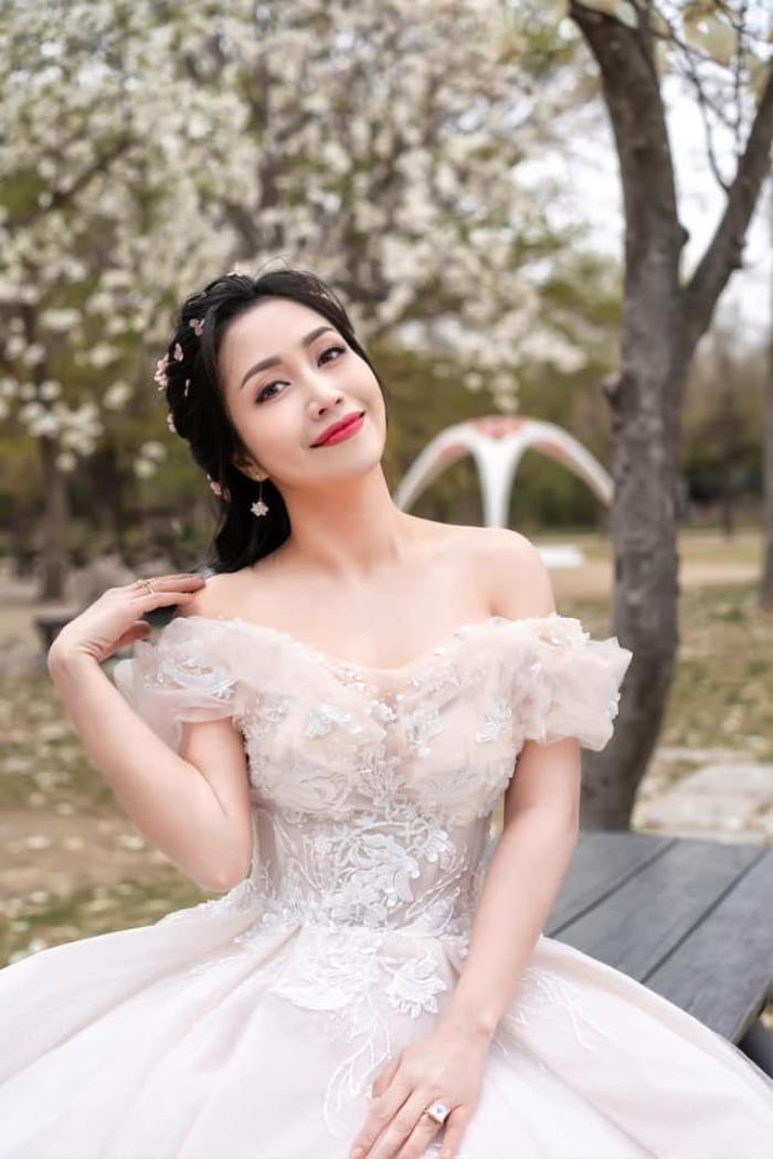 Ốc Thanh Vân - Từ nữ MC đa tài đến vai diễn tái xuất sau 6 năm vắng bóng màn ảnh rộng Ảnh 9