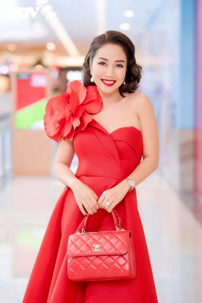 Ốc Thanh Vân - Từ nữ MC đa tài đến vai diễn tái xuất sau 6 năm vắng bóng màn ảnh rộng Ảnh 6