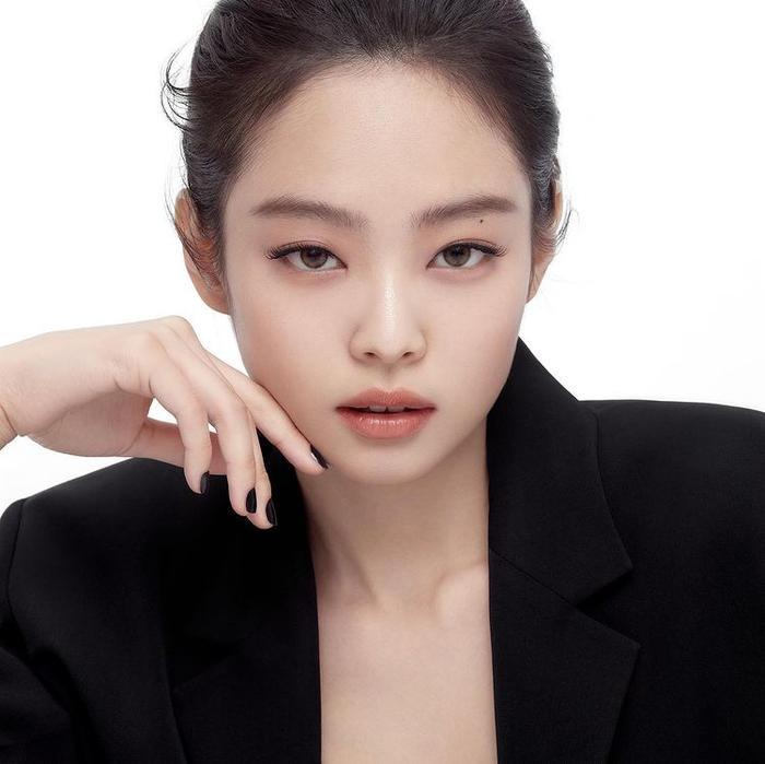 Jennie (BlackPink) vướng nghi vấn tụ tập giữa mùa dịch, động thái từ YG khiến Blink tức giận Ảnh 5