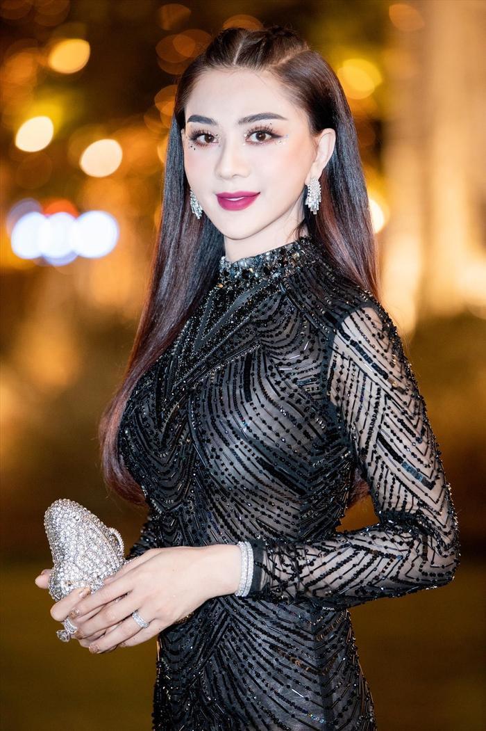 Khán giả hoang mang khi Lâm Khánh Chi tiết lộ bị hư giọng, không thể hát tiếp Ảnh 4