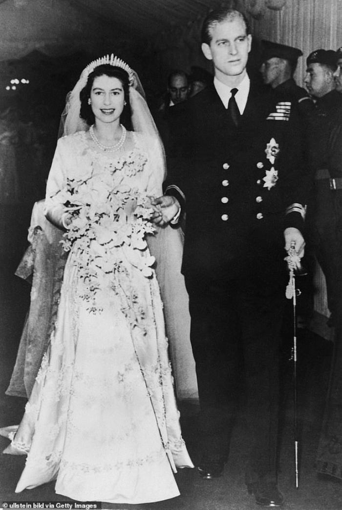 Hoàng thân Philip vẫn đi đôi giày cưới ở nhiều sự kiện quan trọng trong suốt cuộc đời Ảnh 1