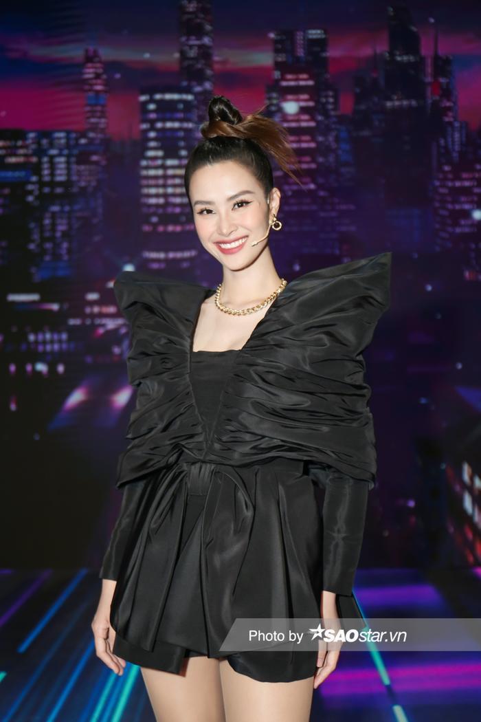 'Cất' bé Winnie ở nhà, vợ chồng Ông Cao Thắng tham gia GHVN New Generation: Mẹ bỉm Đông Nhi đẹp xuất sắc! Ảnh 2