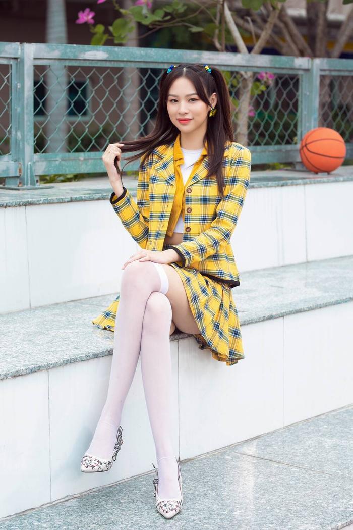Mới tung poster comeback, Phí Phương Anh đã bị tố đạo nhái poster 'chị đẹp' Penthouse? Ảnh 6