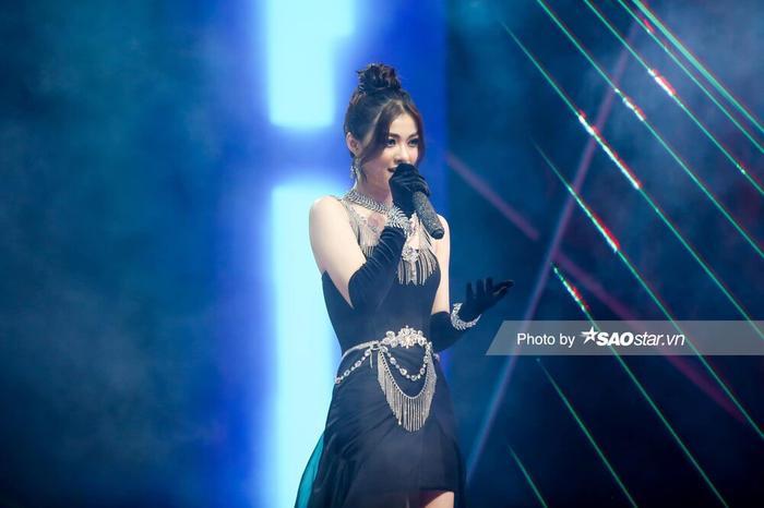 Tân binh V-Pop Lona Kiều Loan 'oanh tạc' sàn đấu The Heroes cùng producer Kent Trần Ảnh 4