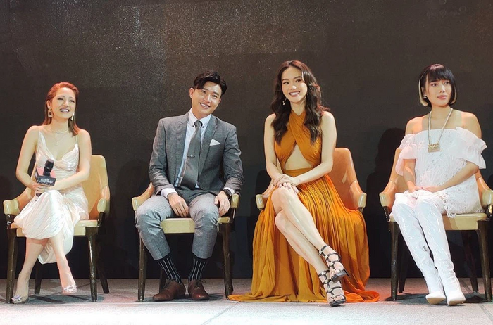 Fan soi loạt ảnh 'tình bể bình' của Minh Hằng và Quốc Trường: Trong đôi mắt anh, em là tất cả? Ảnh 4